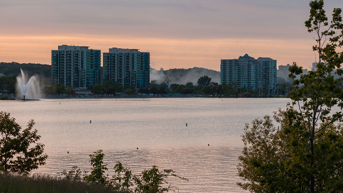 image of condos in barrie and georgian bay looking at condos